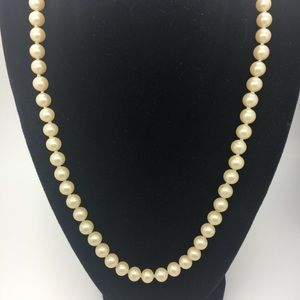 VINTAGE JAPANESE AKOYA GENUINE PEARL NECKLACE